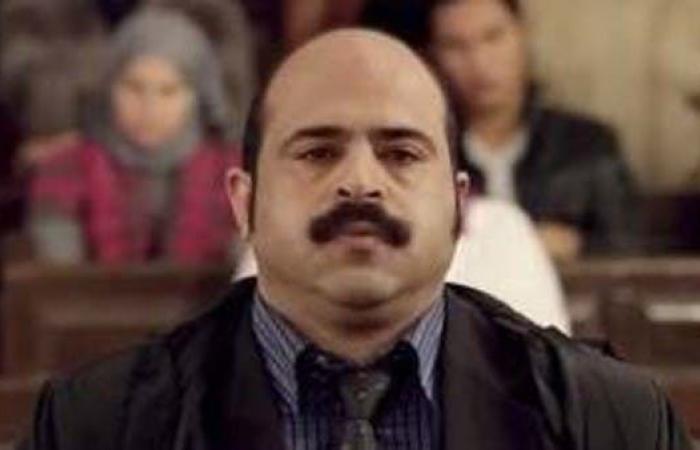 قبل ولادة طفلته بأيام.. وفاة فنان مصري في حادث سير