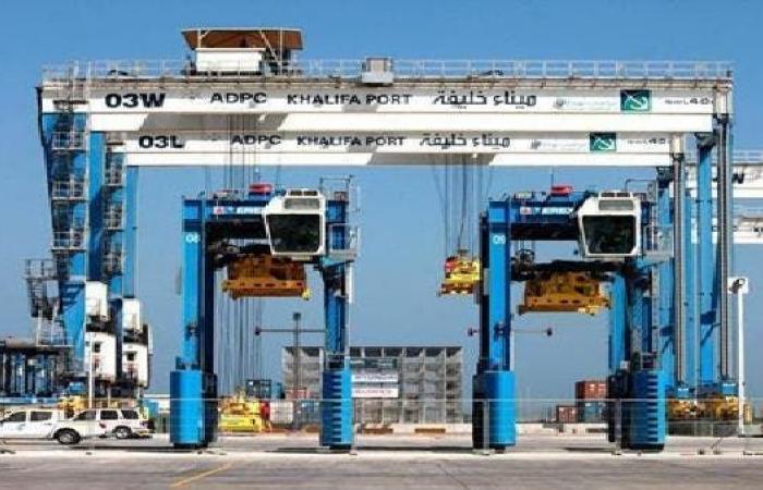 تجارة الإمارات غير النفطية ترتفع إلى 1.4 تريليون درهم في 2020