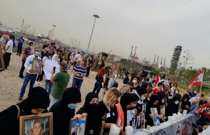 عائلات ضحايا المرفأ: مغادرة دياب لبنان إهانة للقضاء وللضحايا
