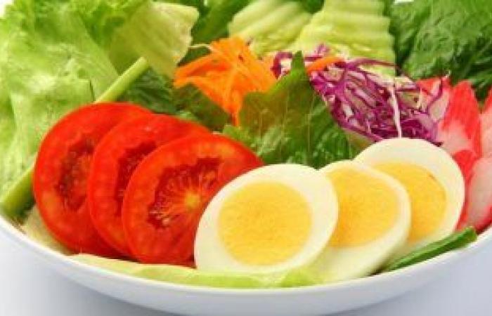 """""""اشحن طاقتك"""" تناول هذه الأطعمة لتنشيط جسمك.. أبرزها البيض وعين الجمل"""