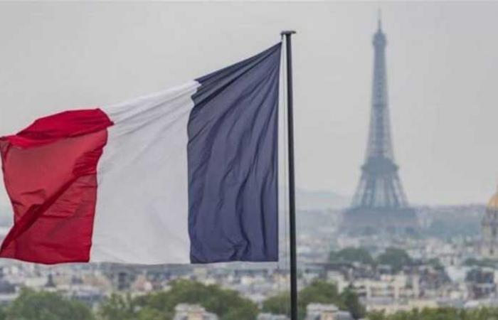 تصلُّب فرنسي في قضية الغواصات