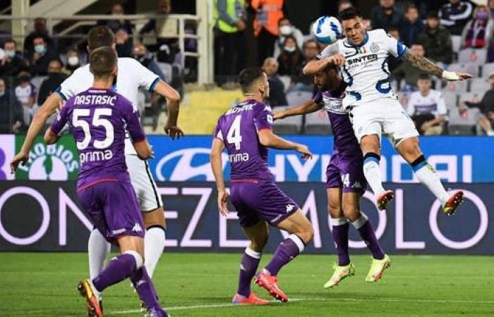 إنتر يعاقب فيورنتينا بثلاثية ويتصدر الدوري الإيطالي