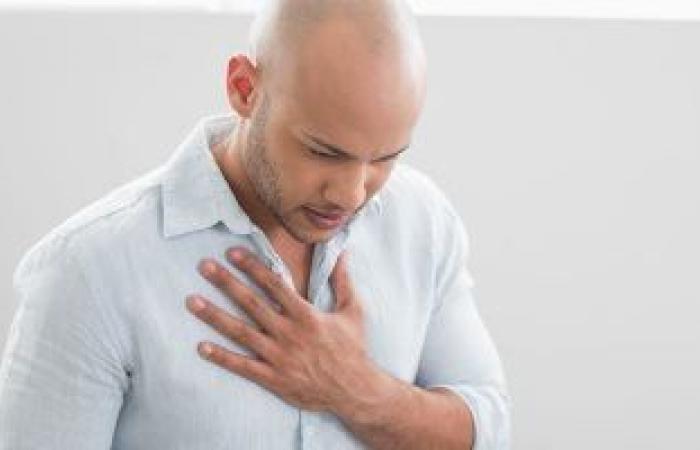 3 علامات هتقولك أنك مصاب بانسداد فى شرايين الجسم.. أبرزها ألم فى الرقبة