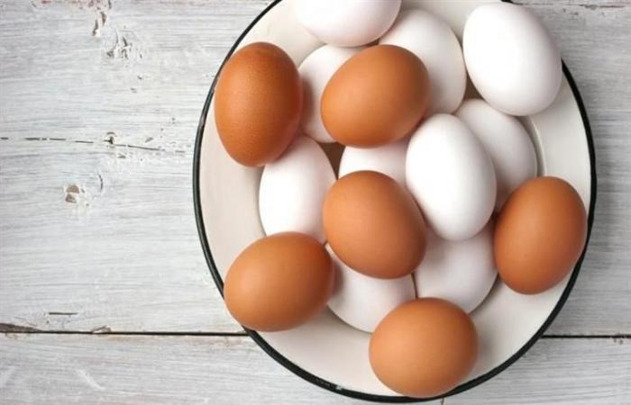 هل تعرف ما الفارق بين البيض الأحمر والأبيض؟