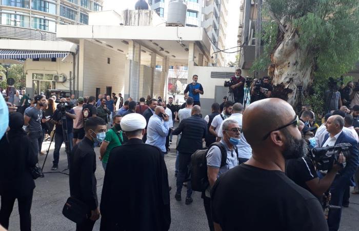 """""""الحزب"""" و""""أمل"""": مسلحون اعتدوا على المتظاهرين السلميين"""