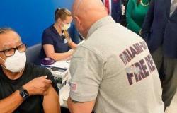 فلوريدا الأمريكية تقصر لقاح كورونا على العاملين فى الرعاية الصحية لنقص الجرعات