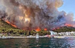 بالفيديو: حرائق هائلة تلتهم مرمريس